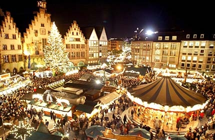CHRISTMAS MARKET IN ITALY